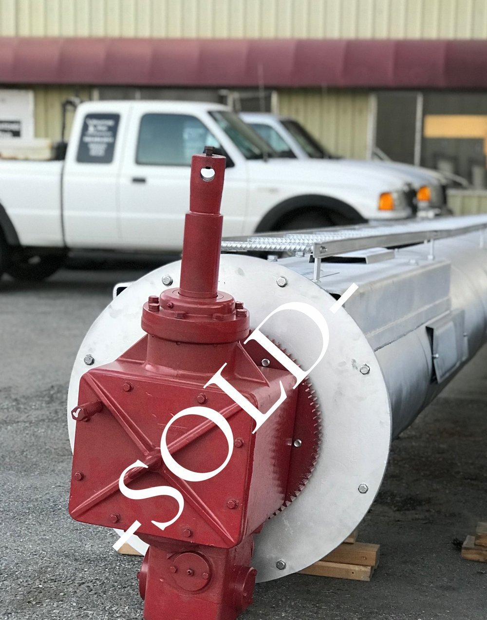 Orchard Rite 100HP Electric $SOLD   - Refurbished gearbox  and freshly painted tower  - Refurbished 100HP motor  -Fiberglass Propeller  See it at 1512 Walla Walla Avenue in Wenatchee   Call for details