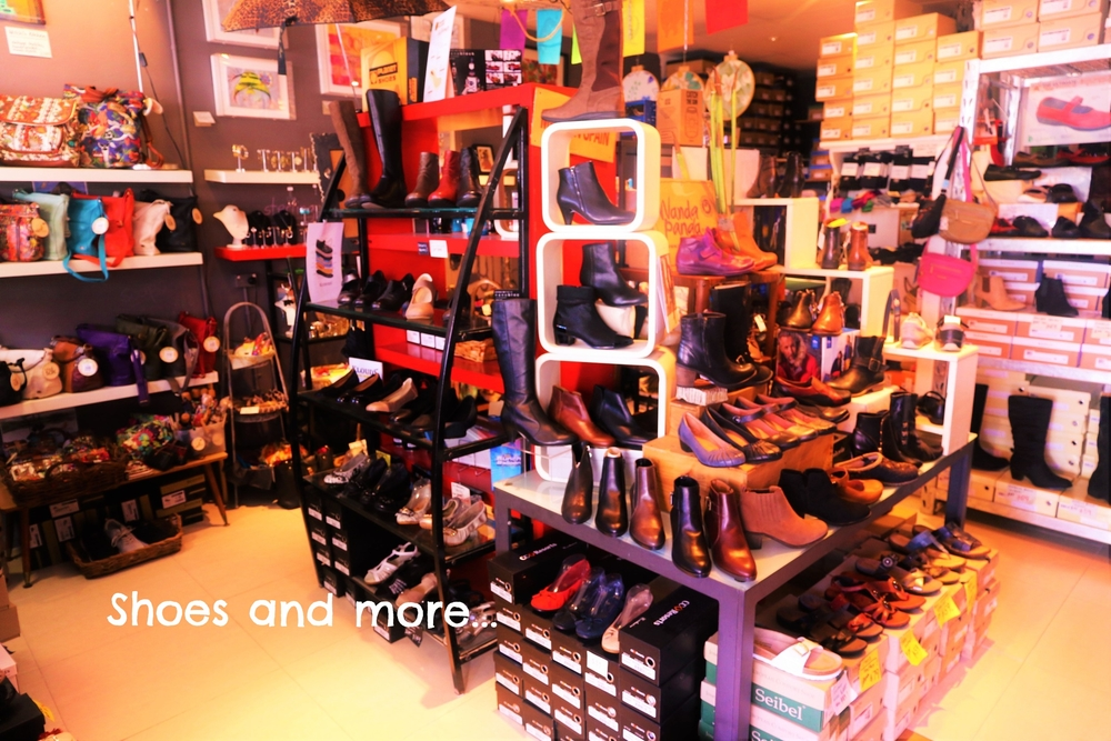 sakroots jewellery, phone wallets, purses, bags