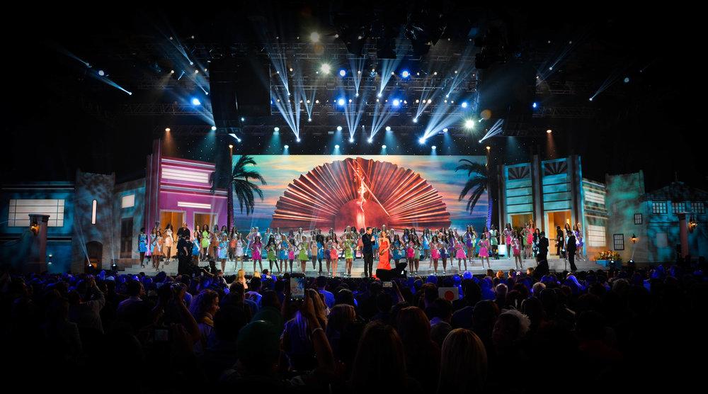 Miss Univ 2015-Opening.jpg