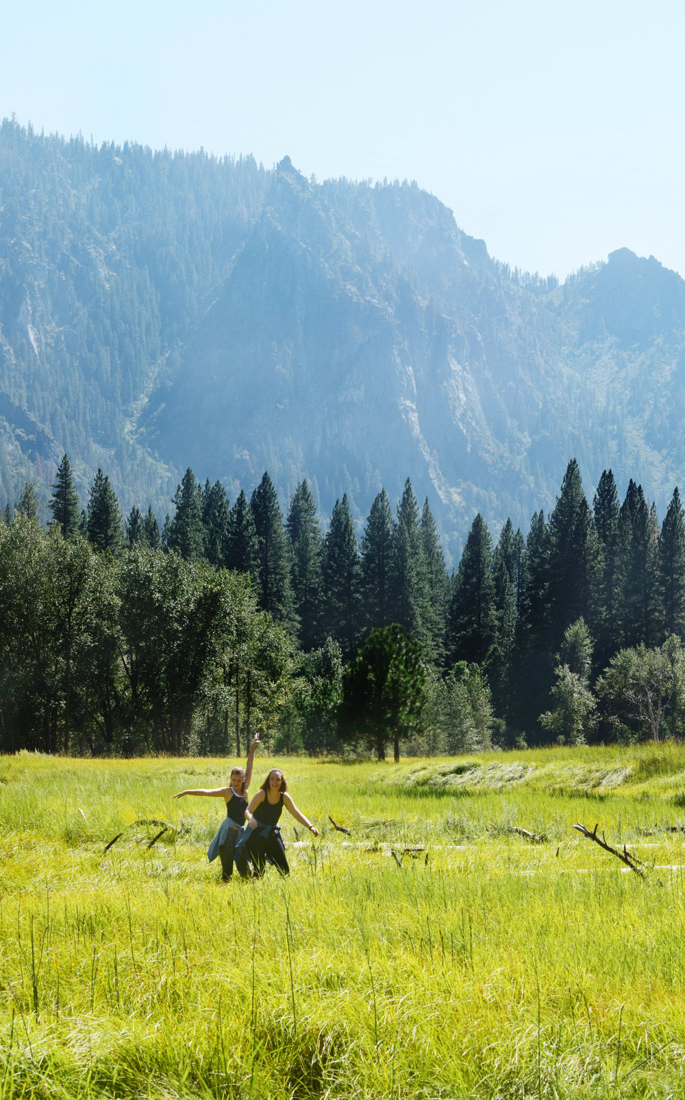 Nothing feels more like summer than the open plains and the warm breeze with the company of great friends. Yosemite national park is a gold mine for beautiful locations and life long memories.