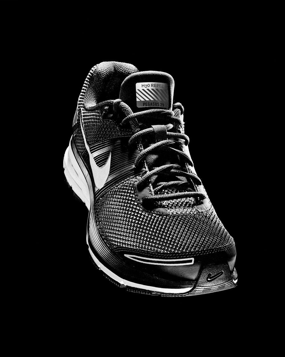 Nike8bw.jpg
