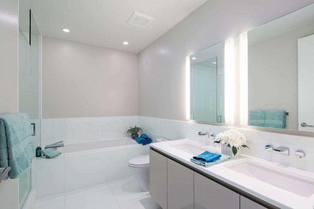 Second bathroom.jpg