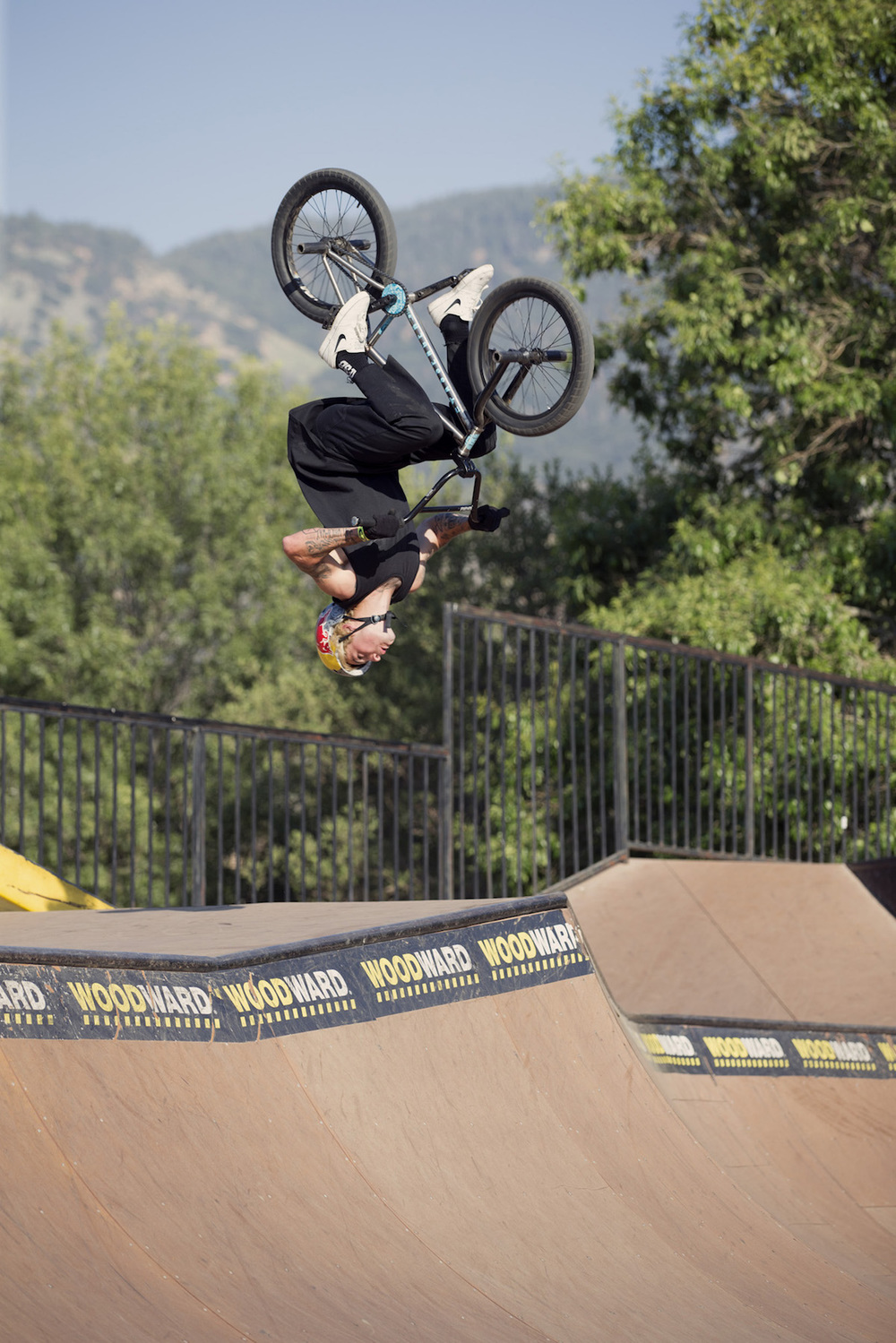 Kriss_KYle_flip_manual_line_Losey.jpg