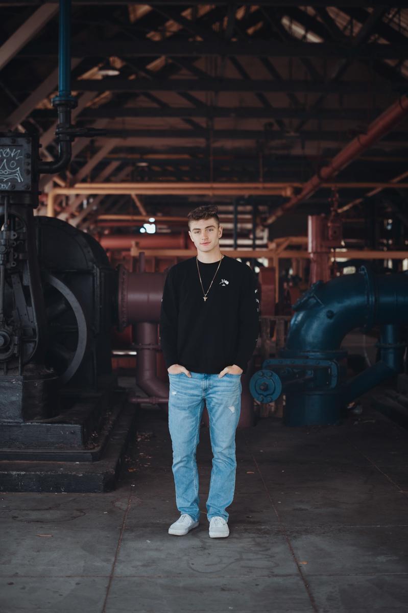 Ethan - Seattle senior portrait photography session at Gasworks Park