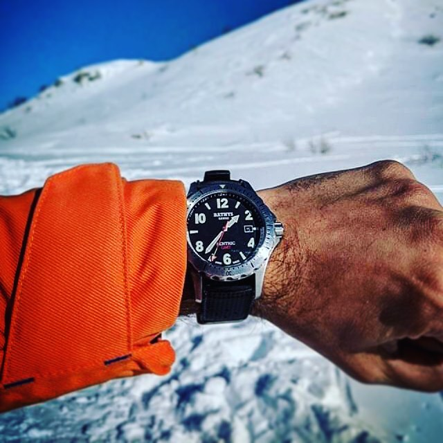 Got this from @viasswing ! Great shot of the Benthic GMT. Looks cold af😭!