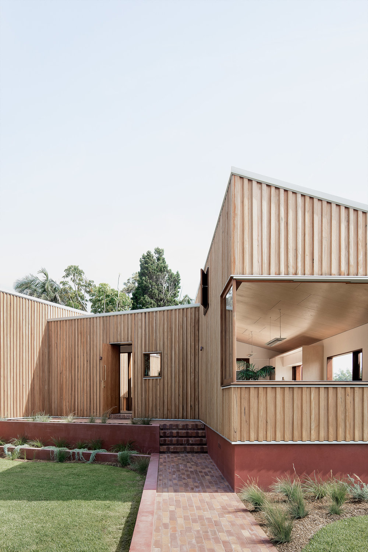 SYDNEY-RESIDENTIAL-ARCHITECT-TRIAS-STUDIO-THREE-PIECE-HOUSE-P03-BH.jpg