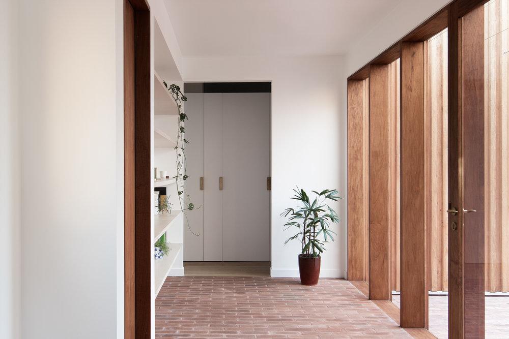 SYDNEY-RESIDENTIAL-ARCHITECT-TRIAS-STUDIO-THREE-PIECE-HOUSE-P21-BH.jpg