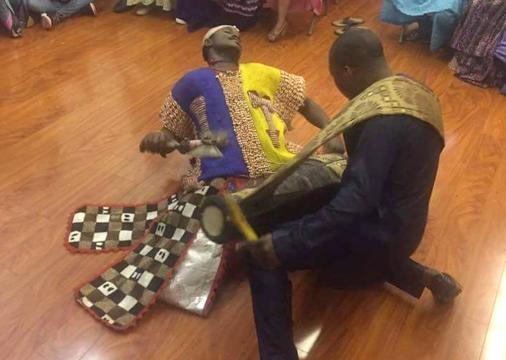 A Shango performance with Yorùbá bàtá drumming in the USA.