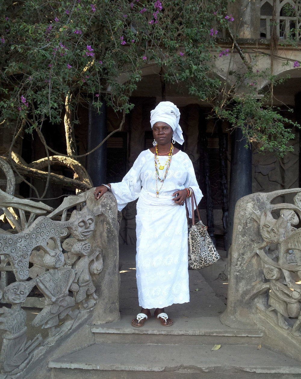 Oshun priestess Adedoyin Faniyi Olosun, Susanne Wenger's daughter, at Ibokún Road, 2015.