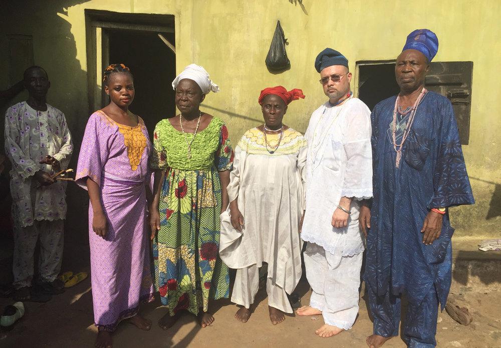 Em um Santuário Logunedé em Ibadan, Estado de Oyo. © Nathan Lugo