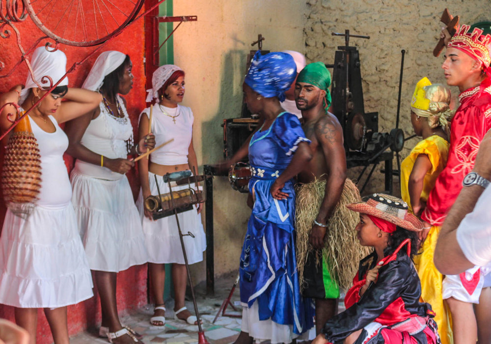 Dance show for tourists, Havana, Cuba, 2017, probably accompanied by Lukumí songs and batá drumming, with the Oricha Yemayá, Oggun, Eleggua, Ochún and Changó in their typical diaspora dresses. Photo by  Brian Godfrey  CC  BY 2.0