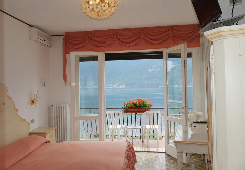 hotel_villa_margherita_limone_camera_balcone3004.jpg