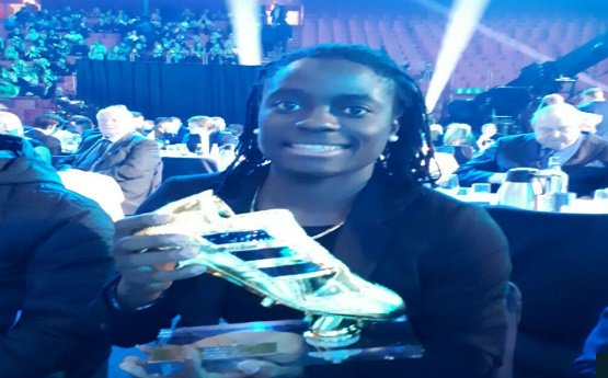 Tabitha with Sweden's Golden Boot, November, 2017. Photo from Goal.