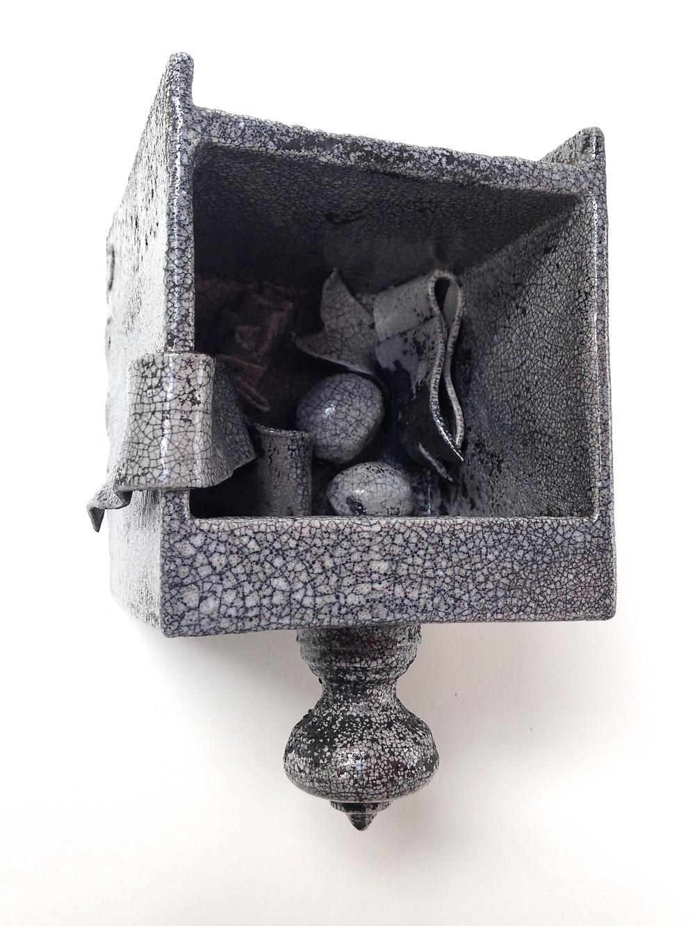 drawer with nutmeg and ribbon, Raku.jpg