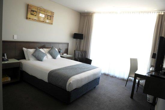 Sfera's Park Suites & Conference Centre