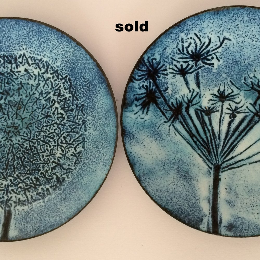 alium and cowparsley plates.JPG