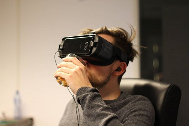 VRijmibo #virtualreality #vr #360 #video #friday #office #drinks #oldfashioned #don #instagram #instadaily #eastbound