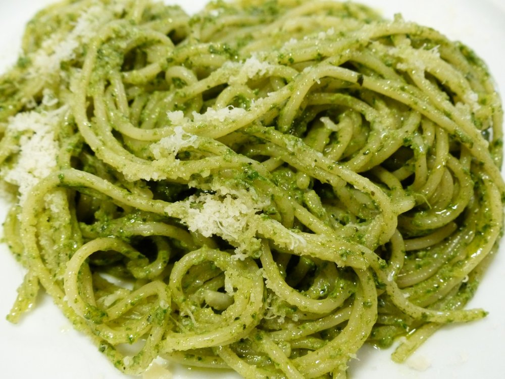 spaghetti_noodles_eat_parmesan_cheese_parmesan_cheese_pesto_handmade-1014201.jpg