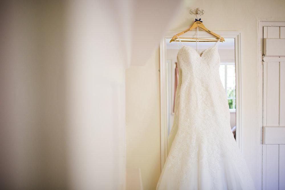 Surrey Wedding Photographer Hedingham Castle005.jpg