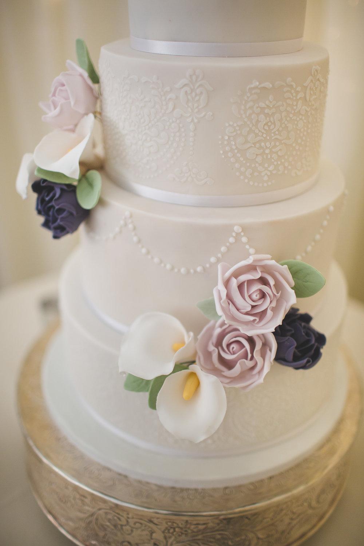 Surrey Wedding Photographer Hedingham Castle087.jpg