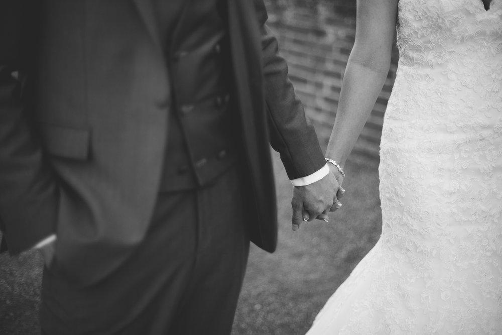Surrey Wedding Photographer Hedingham Castle091.jpg