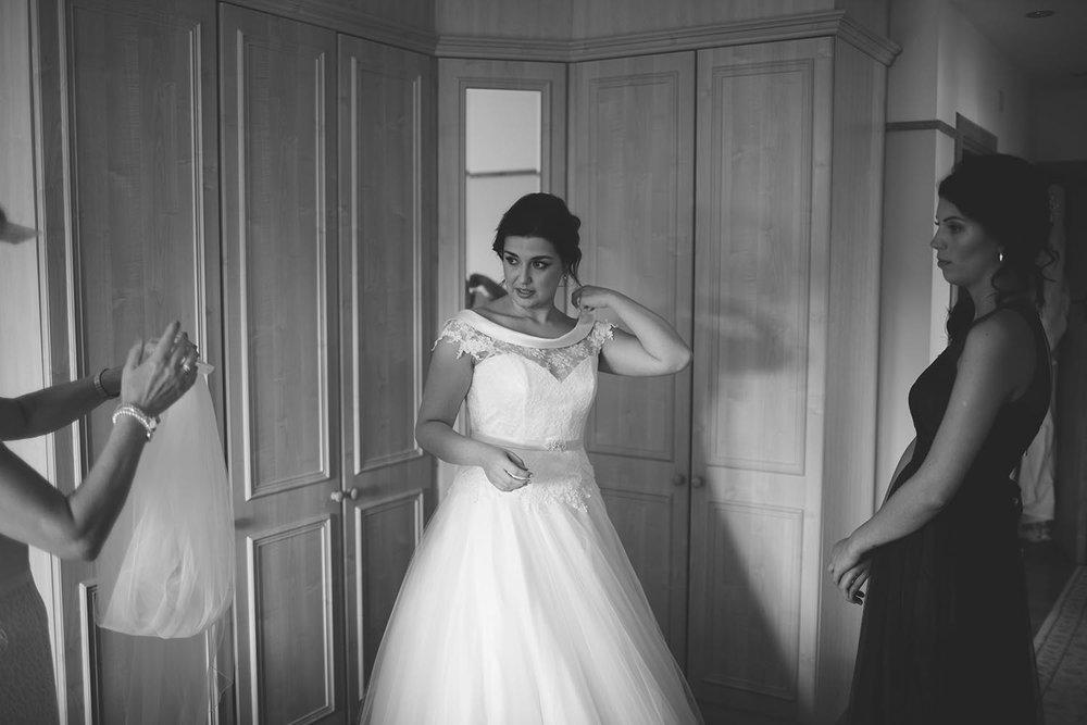 Great Fosters Wedding Surrey Photographer037.jpg