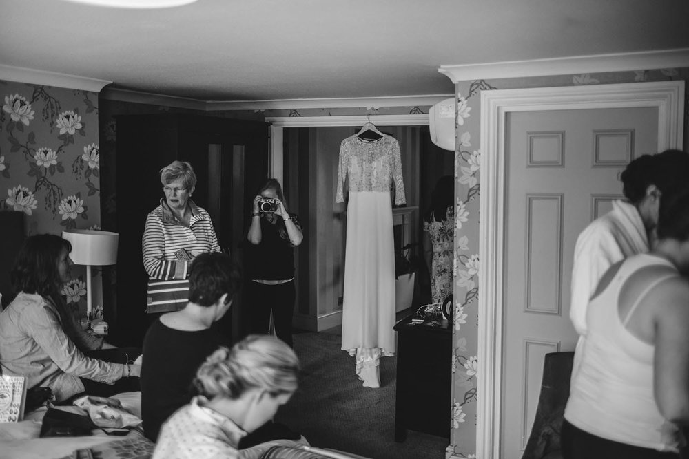 Jonny Emma Pembroke Lodge Belvedere Suite Wedding Kit Myers Surrey Photography Photographer017.jpg