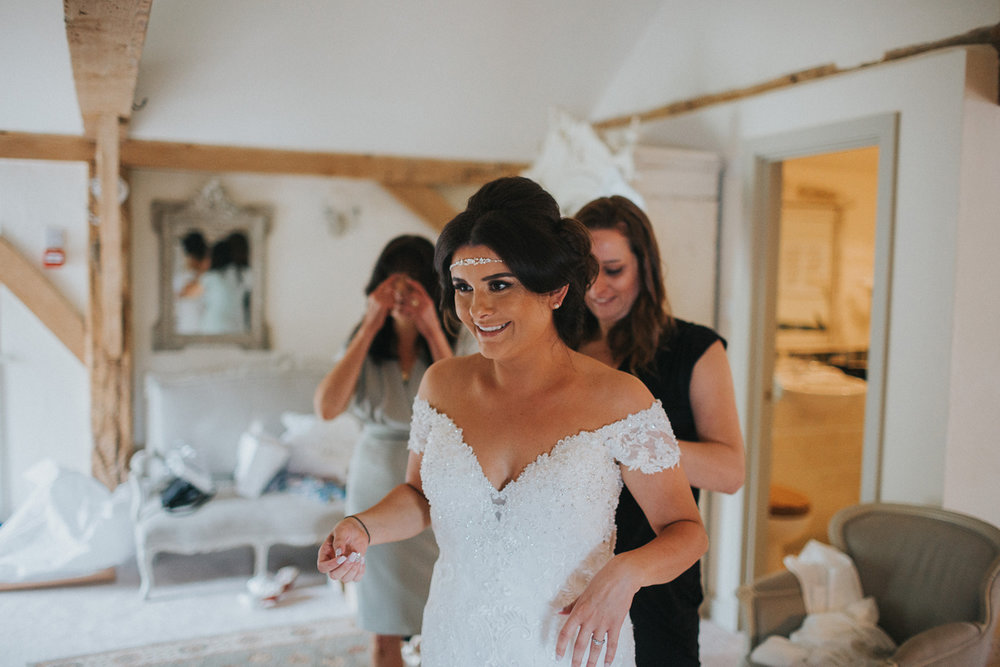 Upwaltham Barns Wedding028.jpg