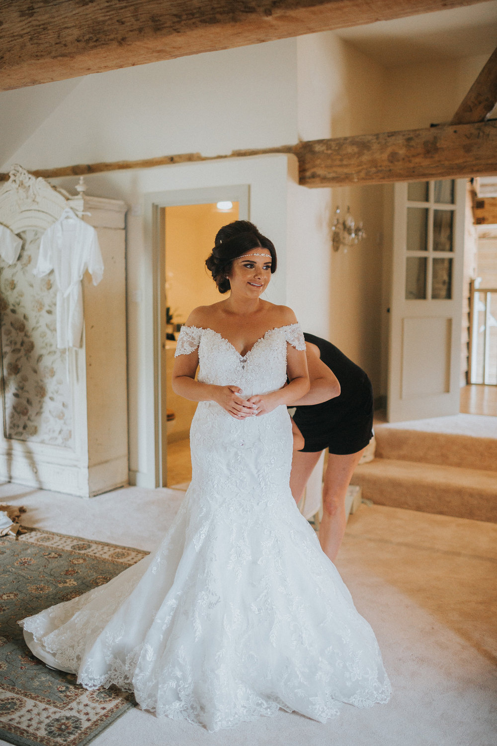 Upwaltham Barns Wedding029.jpg