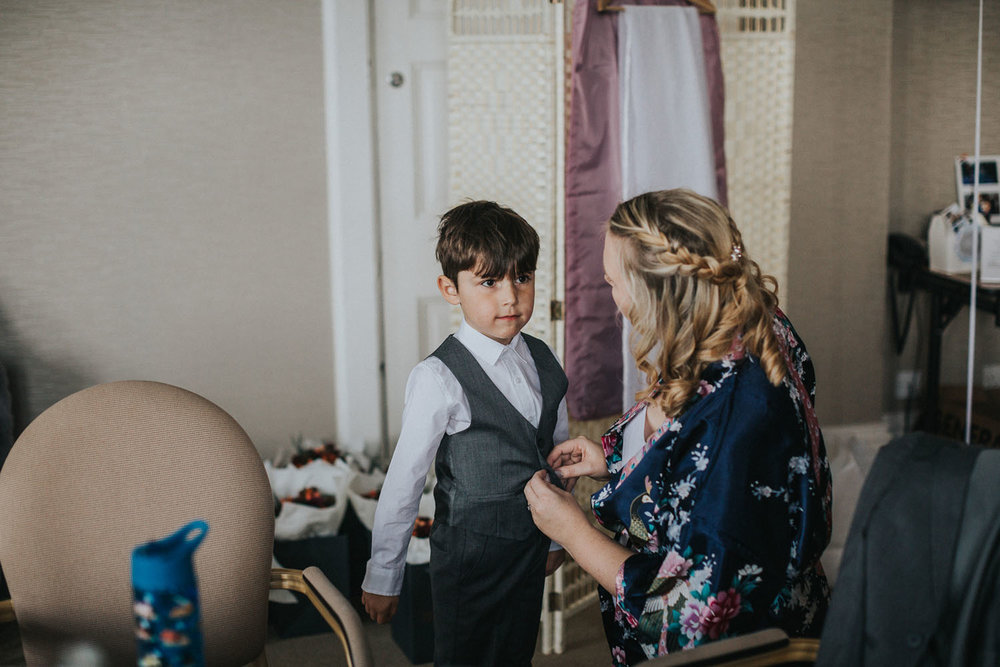 Elvetham Hotel Wedding Photography019.jpg