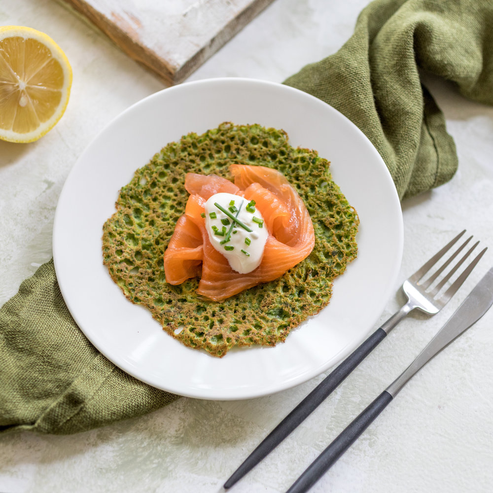 SPINACH AND BUCKWHEAT PANCAKES - with smoked salmon