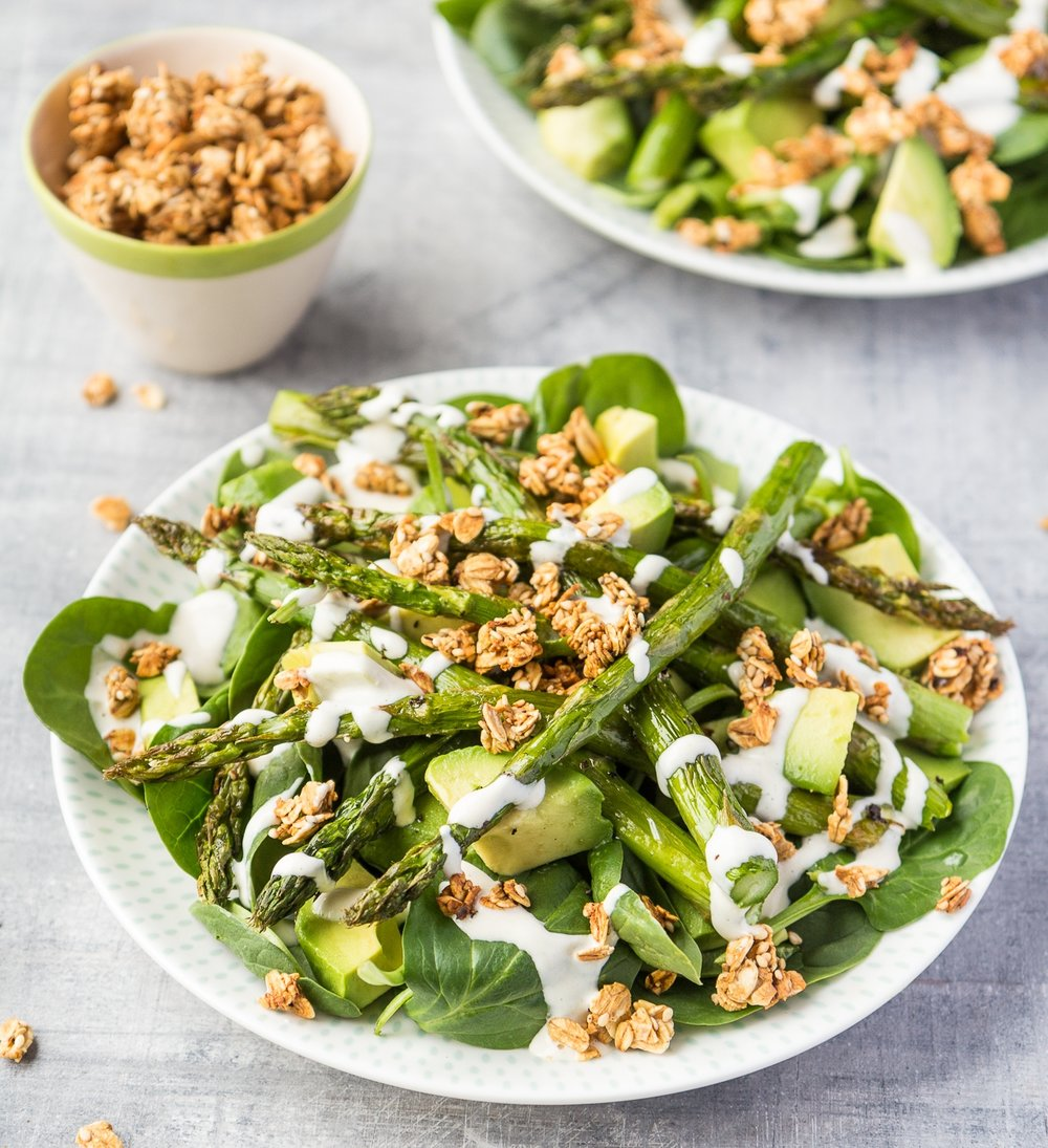 Asparagus, spinach and avocado  salad topped with crunchy spiced oats.jpg