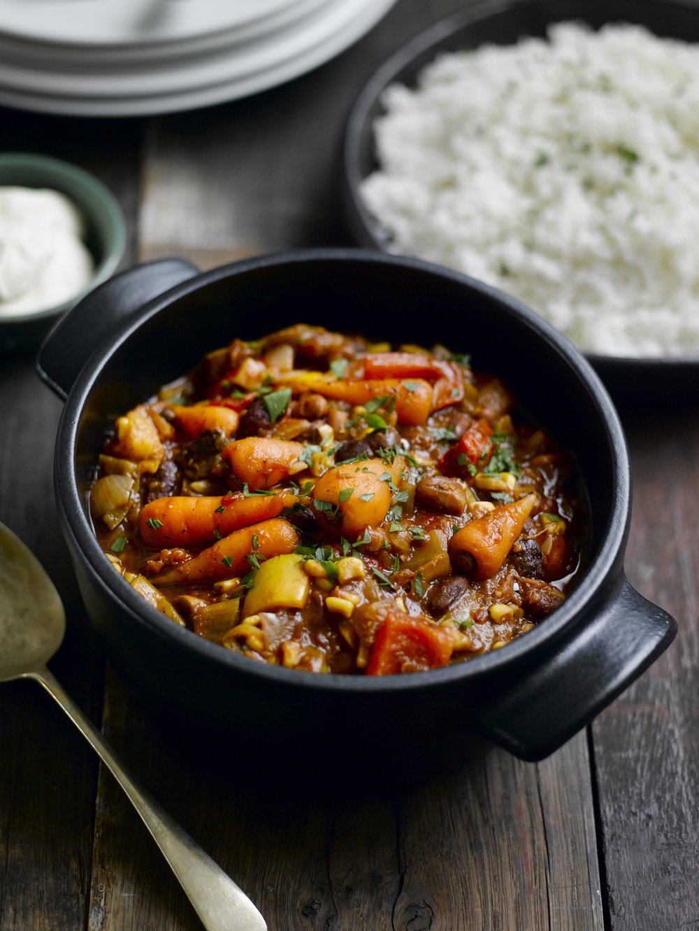 Chantenay vegetable chilli - This warming vegan chilli is so easy to make. Serve it with rice and some coconut yoghurt for a great weeknight feast.