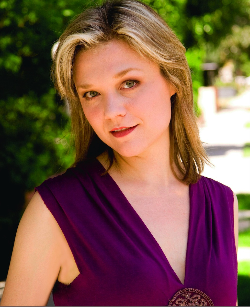 img-ariana-richards_161938730815.jpg