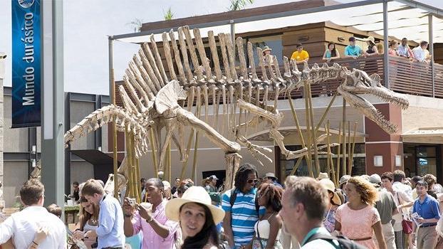 jurassicworld-spinosaurus.jpg