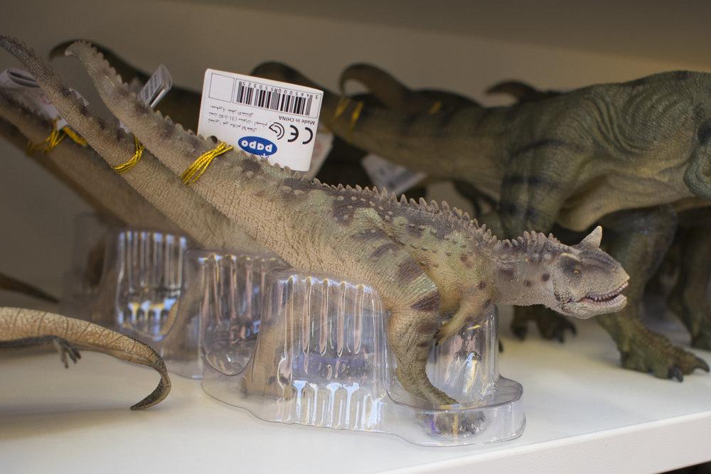 Papo Carnotaurus.jpg
