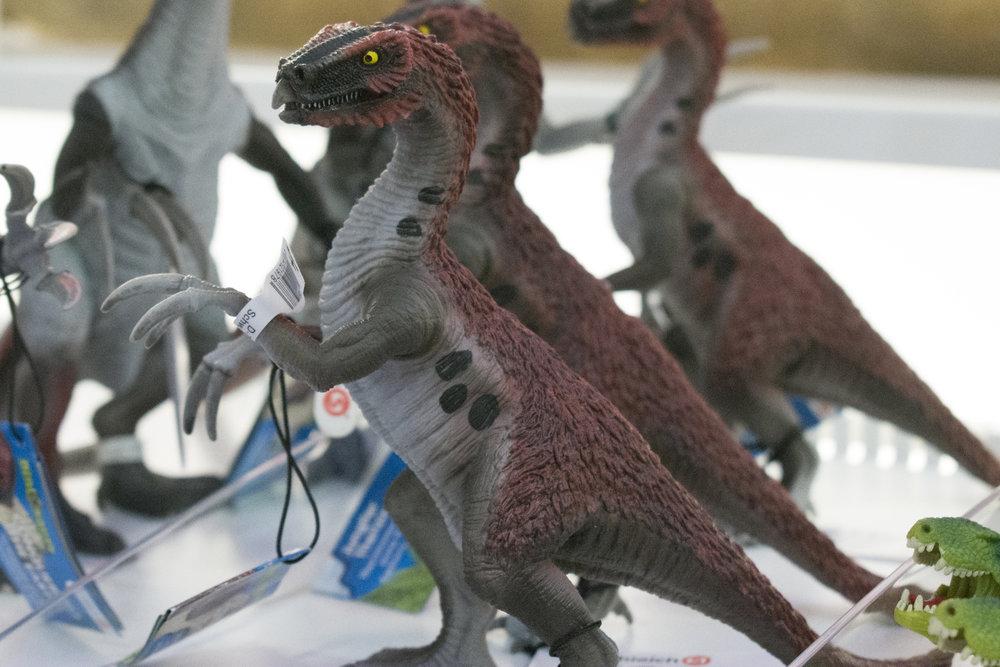 Therizinosaurus Juvenile.jpg