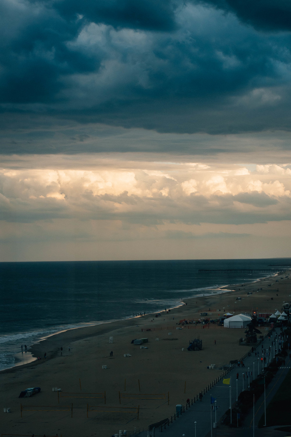 virginia-beach-wedding-photography-oceanfront-storm-clouds-melissa-bliss-photography