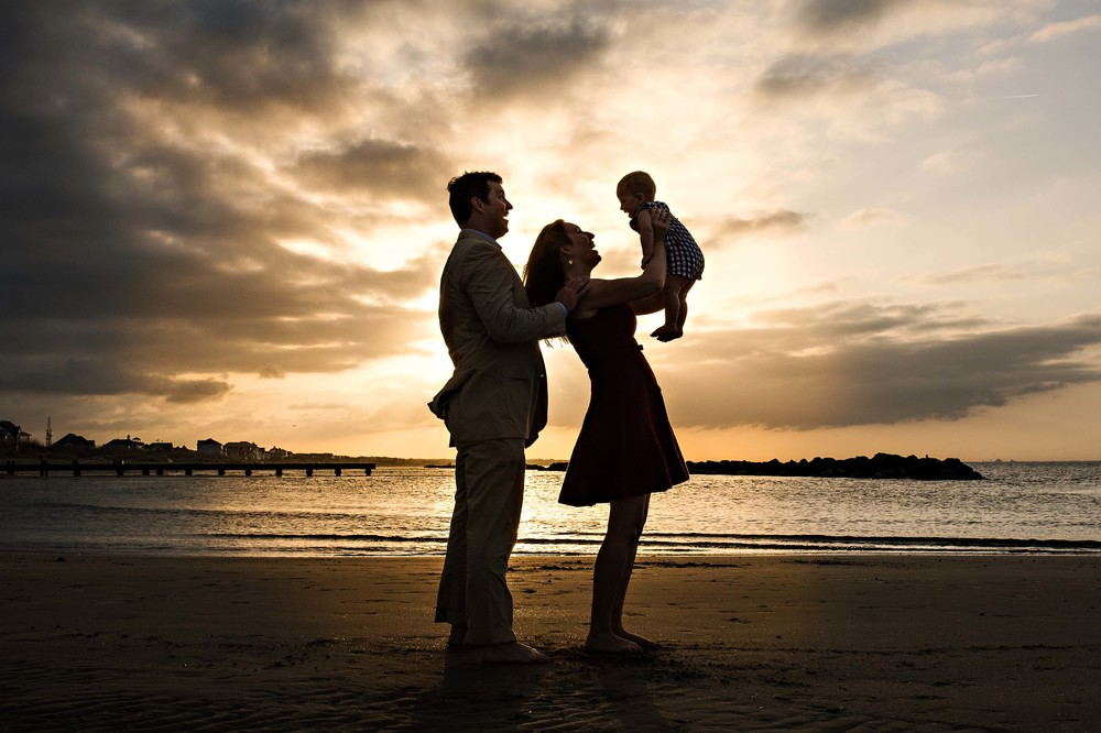 family-silhouette-on-the-beach-melissa-bliss-photography-virginia-beach-sandbridge-norfolk-chesapeake-photographers