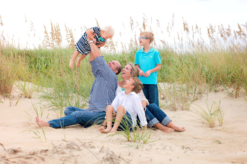 sandbridge-photographers-virginia-beach-photographer-melissa-bliss-photography-family-beach-photos-lifestyle-photography-family-session.png
