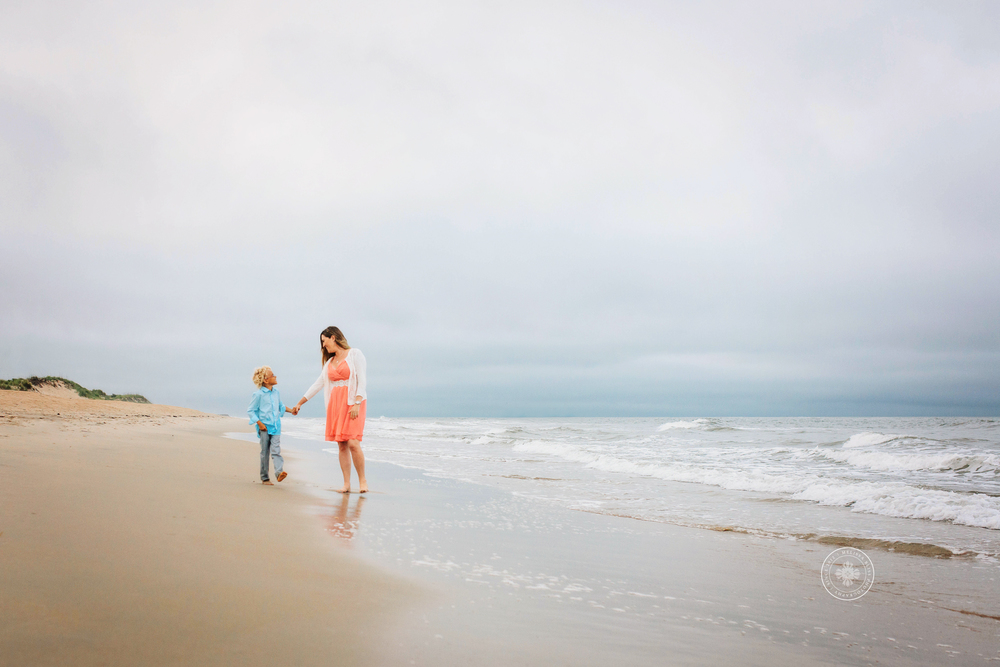 virginia-beach-family-beach-session-melissa-bliss-photography-sandbridge-norfolk-chesapeake-photographers.jpg