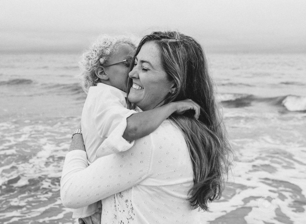 mother-child-on-the-beach-melissa-bliss-photography-lifestyle-beach-family-photographers-virginia-beach-norfolk-sandbridge.png
