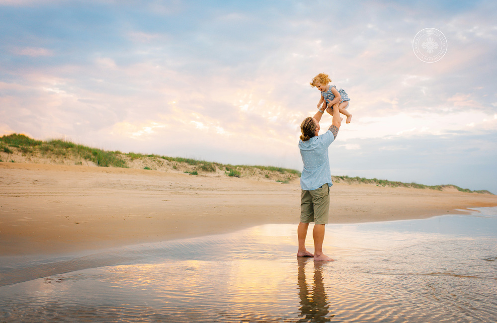 virginia-beach-best-family-photographers-lifestyle-beach-photography-pro-melissa-bliss-photography-hampton-roads-norfolk-chesapeake-sandbridge-williamsburg-photo-sessions.jpg