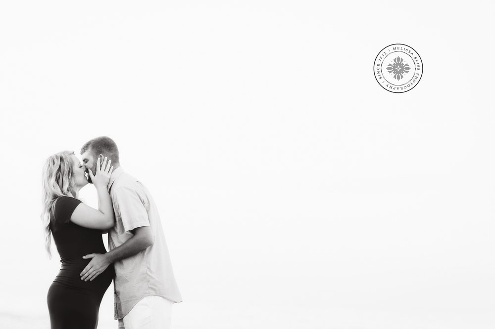maternity-inspiration-couples-session-virginia-beach-oceanfront-melissa-bliss-photography-black-and-white