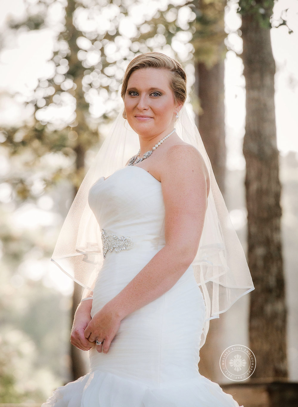 bride-portrait-virginia-wedding-photographers-melissa-bliss-photography-outdoor-wedding-inspiration-norfolk-williamsburg-virginia-beach-weddings