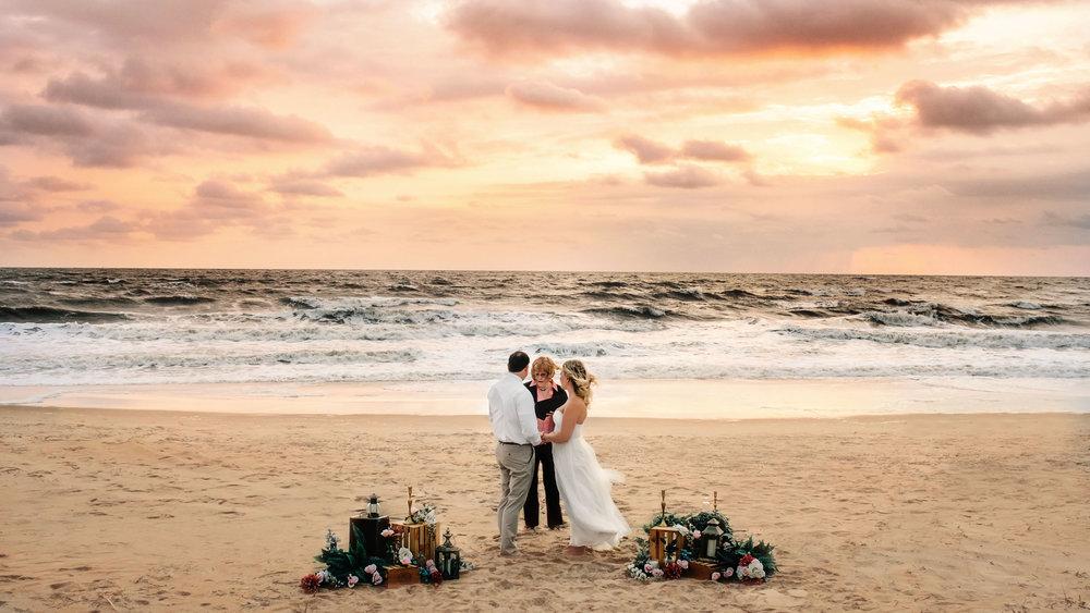 virginia-beach-wedding-photographer-melissa-bliss-photography-sunrise-elopement-va-wedding-photographer-hampton-roads-wedding-pros