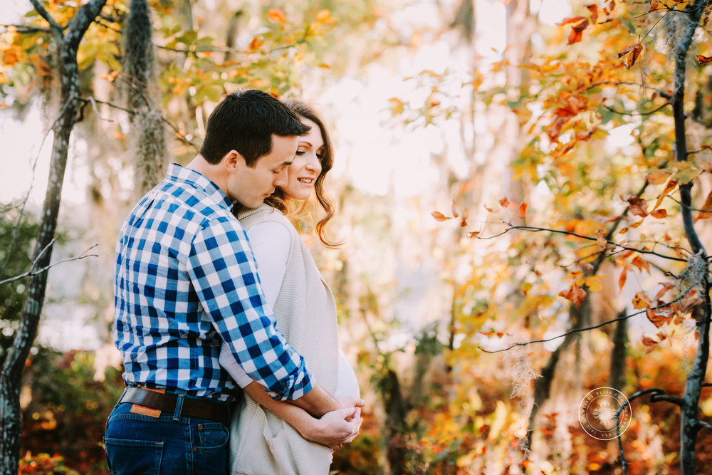 maternity-session-first-landing-state-park-virginia-beach-beautiful-fall-foilage