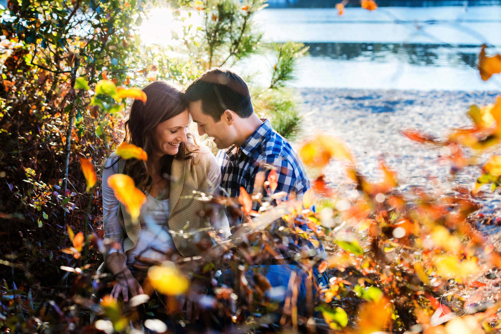 maternity-session-posing-fall-inspiration-first-landing-state-park-natural-area-virginia-beach