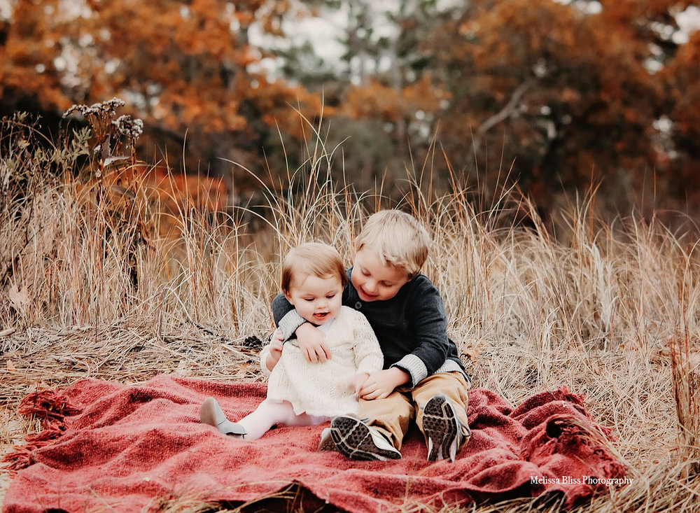 sweet-brother-sister-hug-sibling-picture-at-first-landing-state-park-by-norfolk-family-lifestyle-photographer-melissa-bliss-photography.jpg