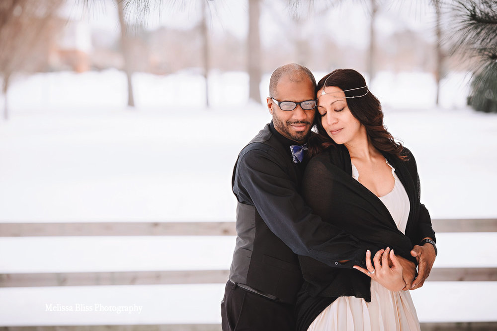 snowy-winter-bride-and-groom-portrait-virginia-beach-snow-day-wedding-photography-by-melissa-bliss-photography-professional-VA-wedding-photographer.jpg